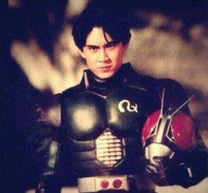 [圖︰ Tetsuo-Kurata-Kamen-Rider-Black-RX-300x278.jpg]