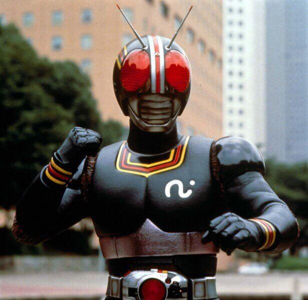 Kamen Rider Black! Com vocês, as aventuras do homem mutante!